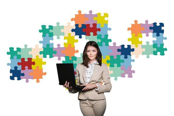 businesswoman-2822600_1280